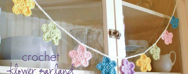 DIY together! ♥ Ghirlanda di fiori all'uncinetto